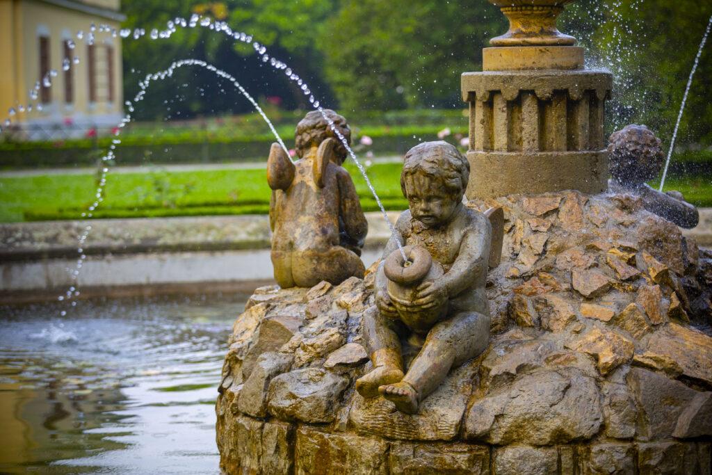 Andělská fontána v Podzámecké zahradě v Kroměříži