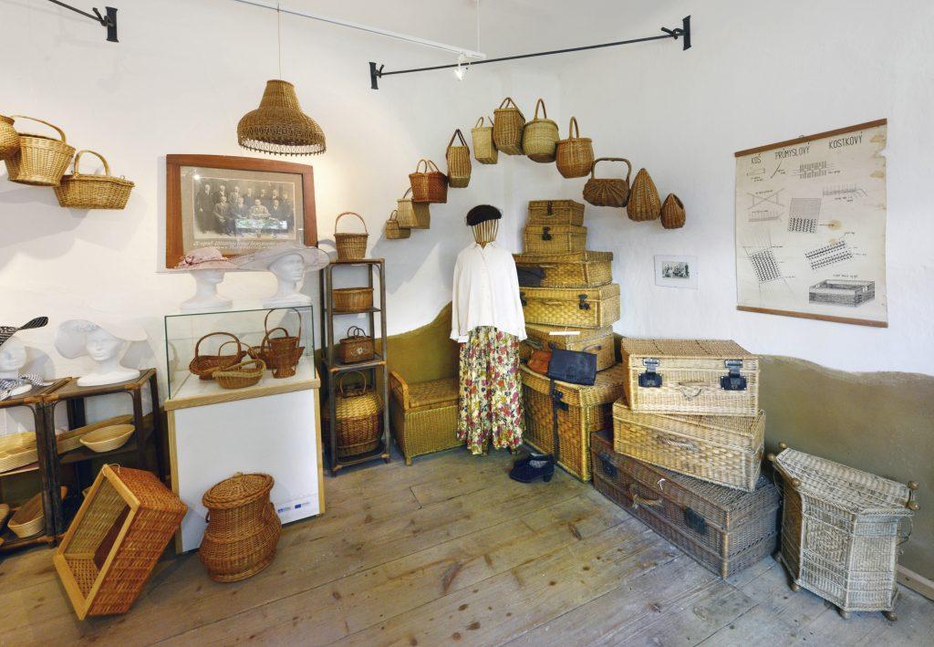 Expozice košíkářského muzea v Morkovicích