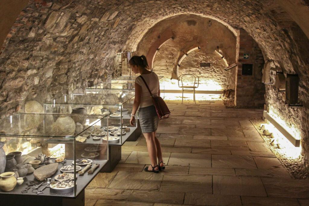 Expozice Historie ukrytá pod dlažbou města v Muzeu Kroměřížska
