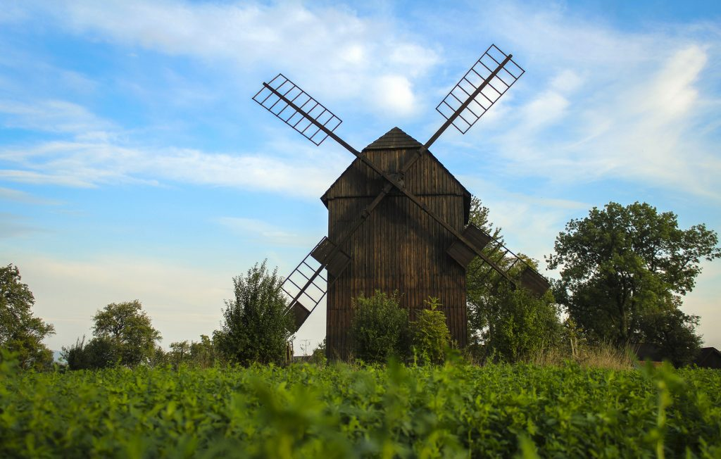 Dřevěný větrný mlýn