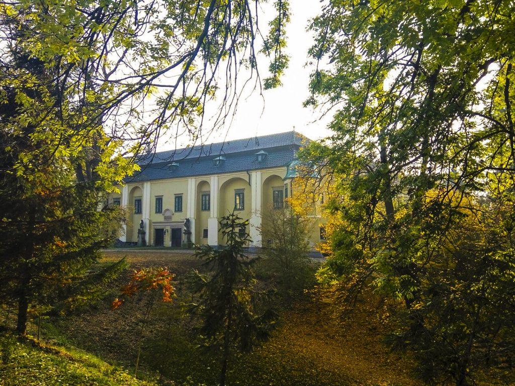 Morkovický zámek obklopený parkem