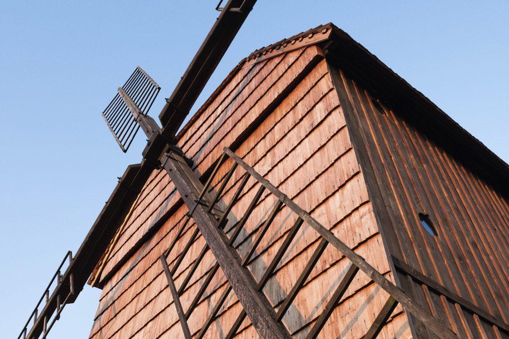 Detail větrníku mlýna