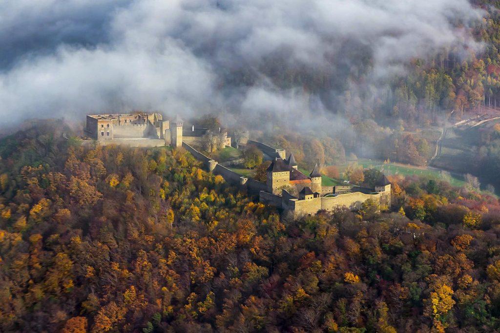 Letecký pohled na hrad Buchlov