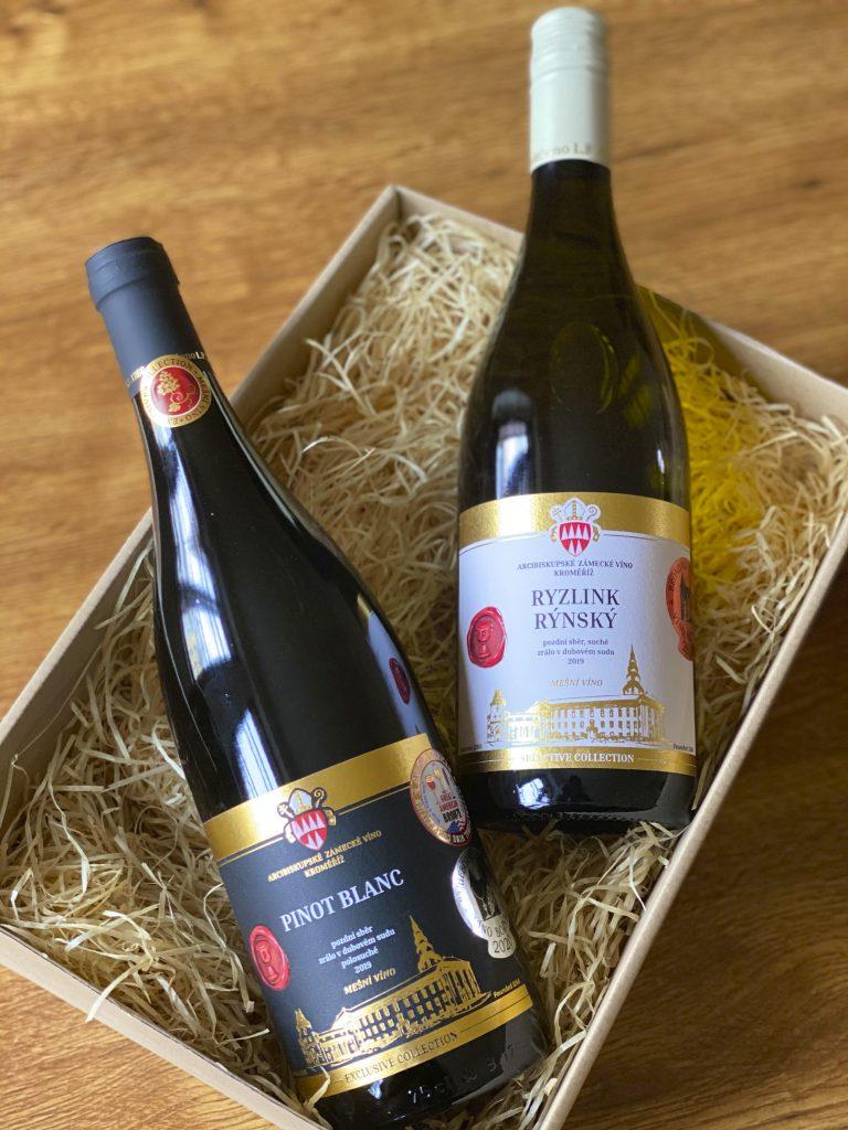 Dvě lahve vína v dárkové krabici